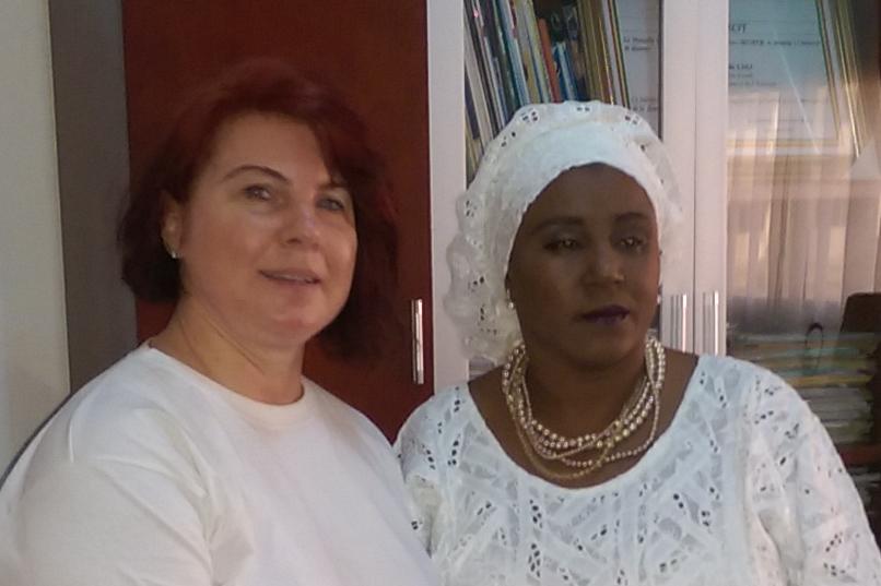 Mme Kaba, die Sozialministerin im 5. Stock ohne Aufzug ohne Geländer